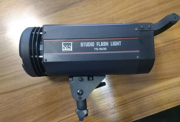 فلاش TS-150D