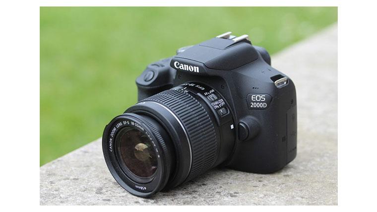 دوربین عکاسی canon eos 2000D
